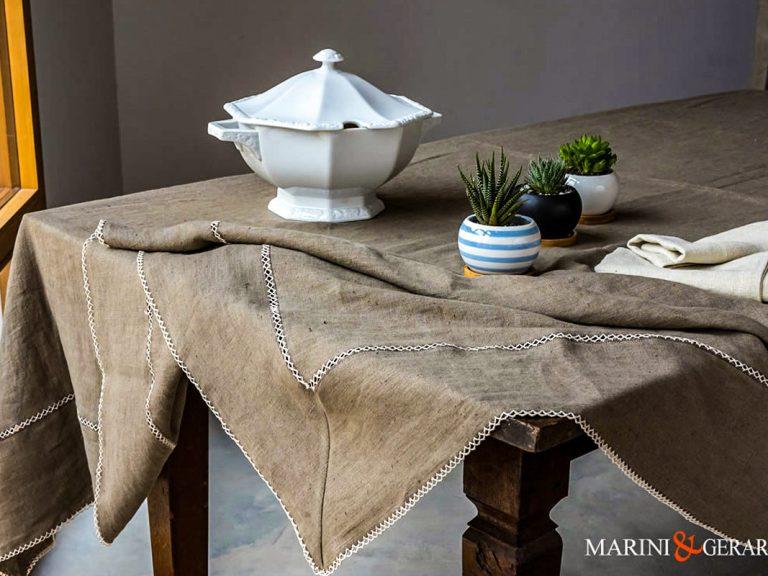 Bestickte Tischdecke aus reinem Leinen Agrigento 1