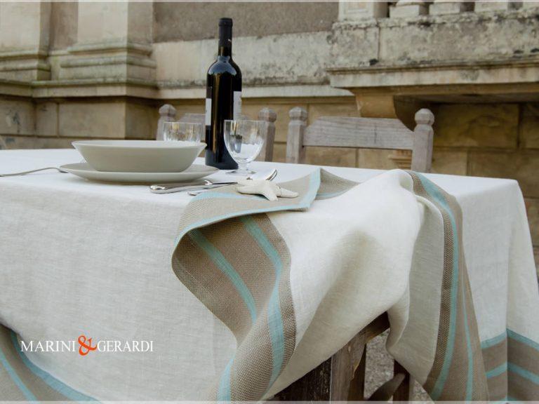 Tischdecken aus weißem Leinen Tischtücher Streifen Türkis Bordüre Stoccolma