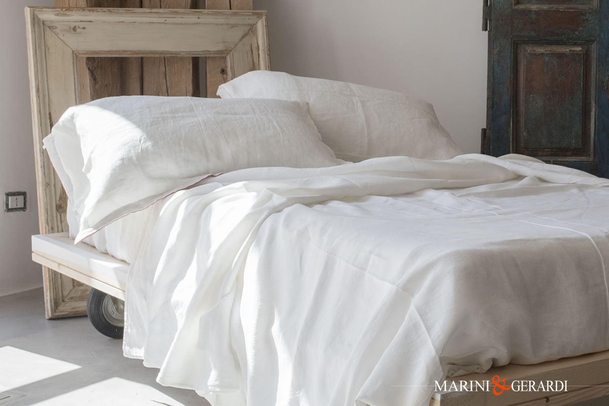 Crumpled Linen Bed Sheets Acaya White