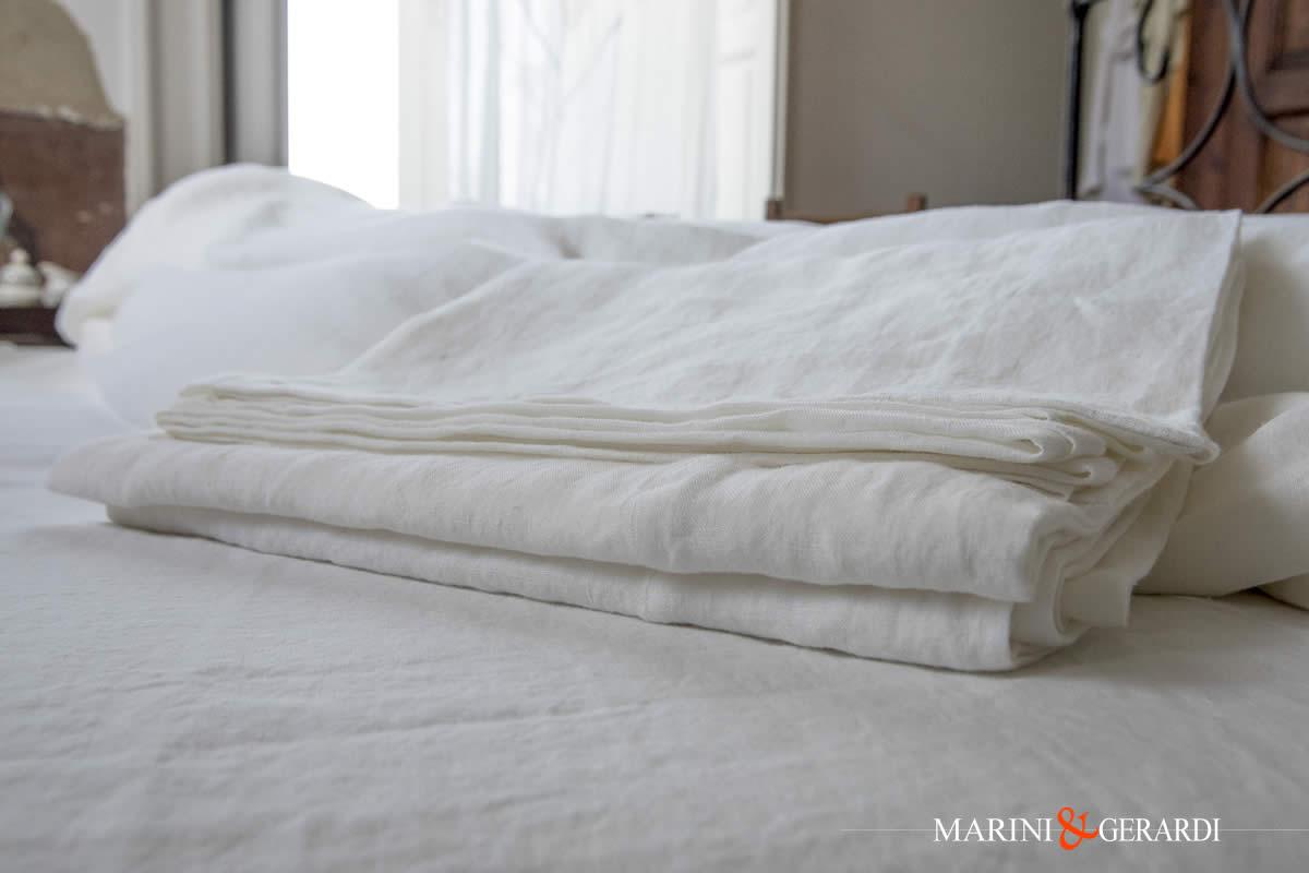 Crumpled Soft Linen Flat Sheets Acaya Hot Ecru