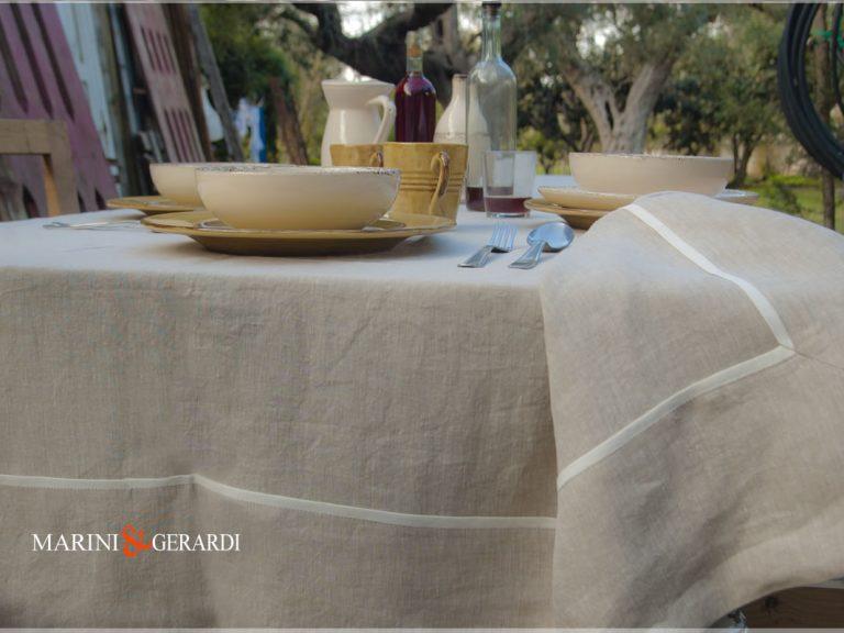 Luxuriöse Tischdecken aus Naturleinen Ecru Melissano
