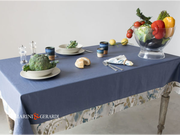 Linen Stain Resistant Tablecloth Blu And Flowers