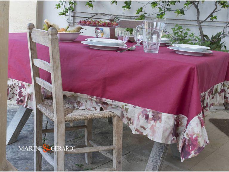 Tischdecken aus rotem Traubenleinen Speisesaal Dolce Vita