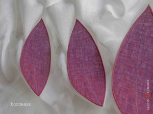 linen-curtain-panels-and-leaves-bordeaux-Nociglia-E05
