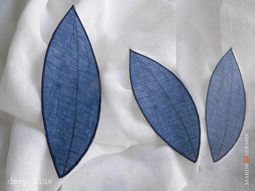 linen-curtain-panels-and-leaves-deep-blue-Nociglia-C07