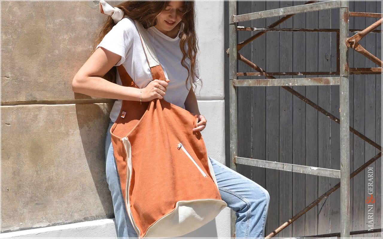 Vale Orange Women's Shoulder Bag (3)