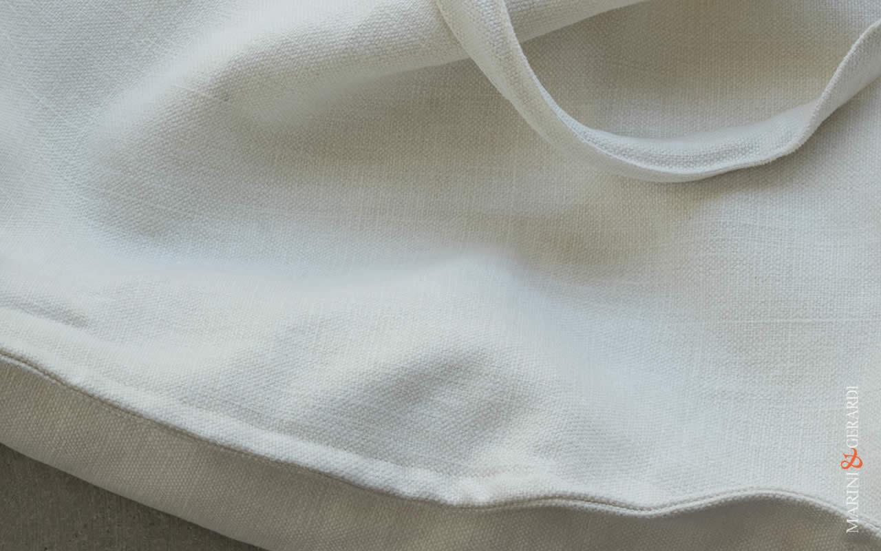 Vale White Women's Shoulder Bag