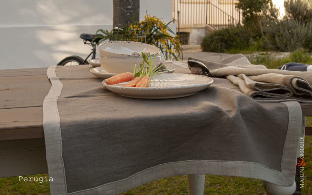 country-table-linen-placemates-runner-coffee-milk-Perugia