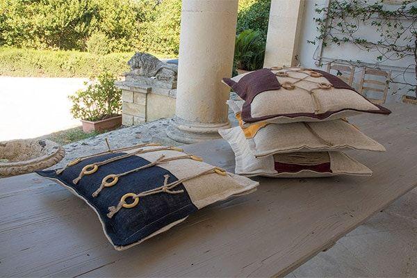 Decorativ Cushions - 1st Quality Fabrics & Home Linen